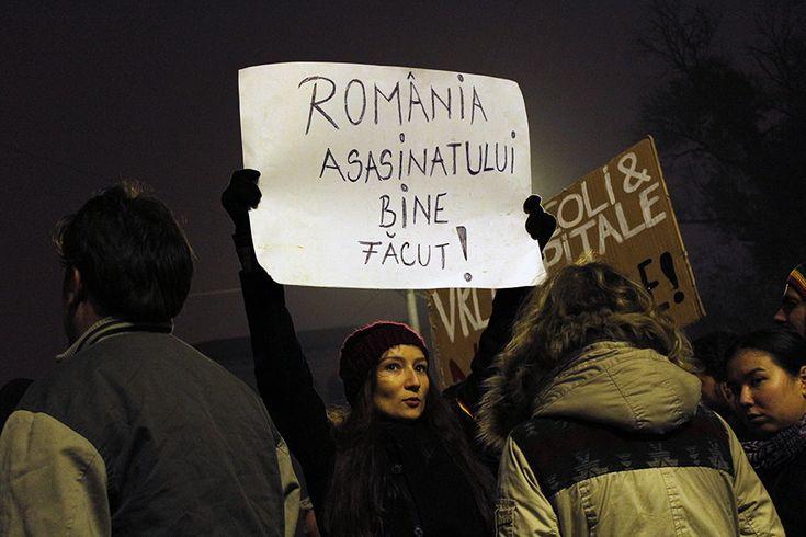 FOTOREPORTAJA cincea zi de proteste #colectiv a fost marcata de dialog si violenta galeriilor - Esential - HotNews.ro