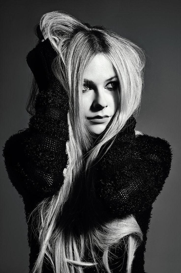 Avril Lavigne - Jupiter, Mercury, Mercury house, Vesta, Sun square Jupiter, Sun house