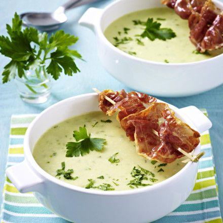 Kartoffelcreme-Suppe mit gebratenem Parmaschinken Rezept | LECKER