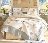 Riley & Cabeceira Capa Comforters, Guest Bedrooms, Beach Bedrooms, Bedroom Decorating Ideas,  Puff, Bedside Tables, Upholstered Headboards, Bedrooms Ideas, Pottery Barns