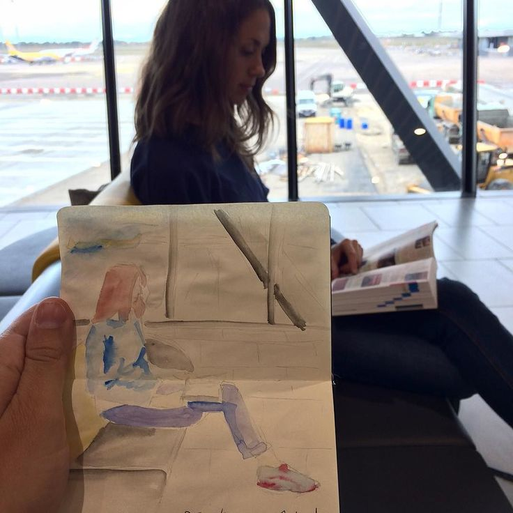 Petit croquis en attendant l'avion ! #aeroport #croquis #departure #sketch #sketchbook #instravel #madrid #despasdanse
