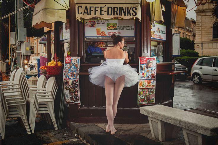 Il prend des photos magnifiques de ballerine dans des lieux inattendus