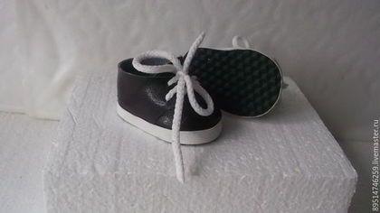 Одежда для кукол ручной работы. Ярмарка Мастеров - ручная работа. Купить Лаковые короткие ботиночки для Бебика. Handmade. Черно-белый