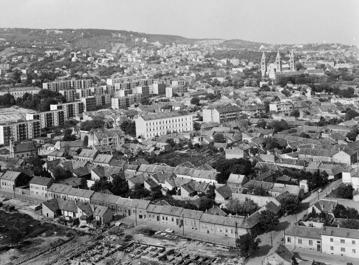 látkép a Magasház tetejéről a Székesegyház felé nézve.