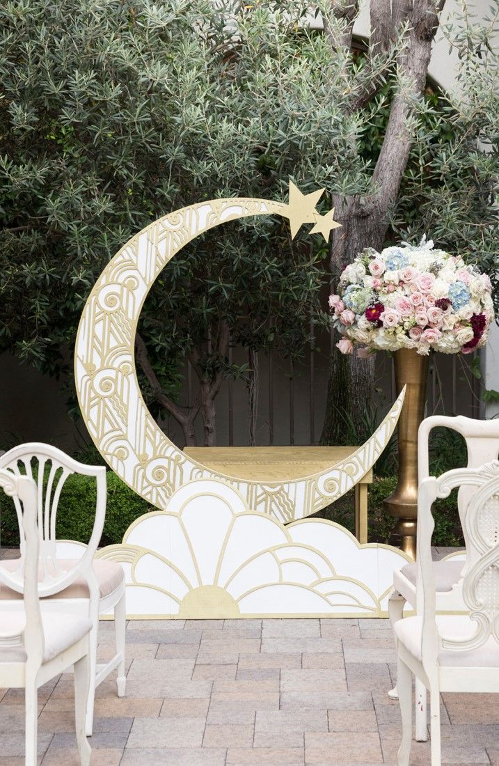 1920s wedding decoration ideas   best Wedding   images on Pinterest  Paper moon