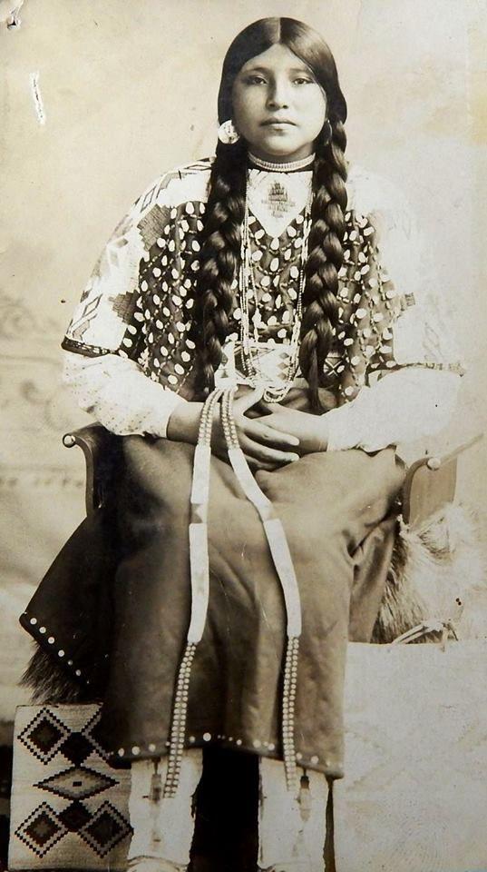 Unknown Oregon Native girl, Umatilla, Oregon, ca. 1910