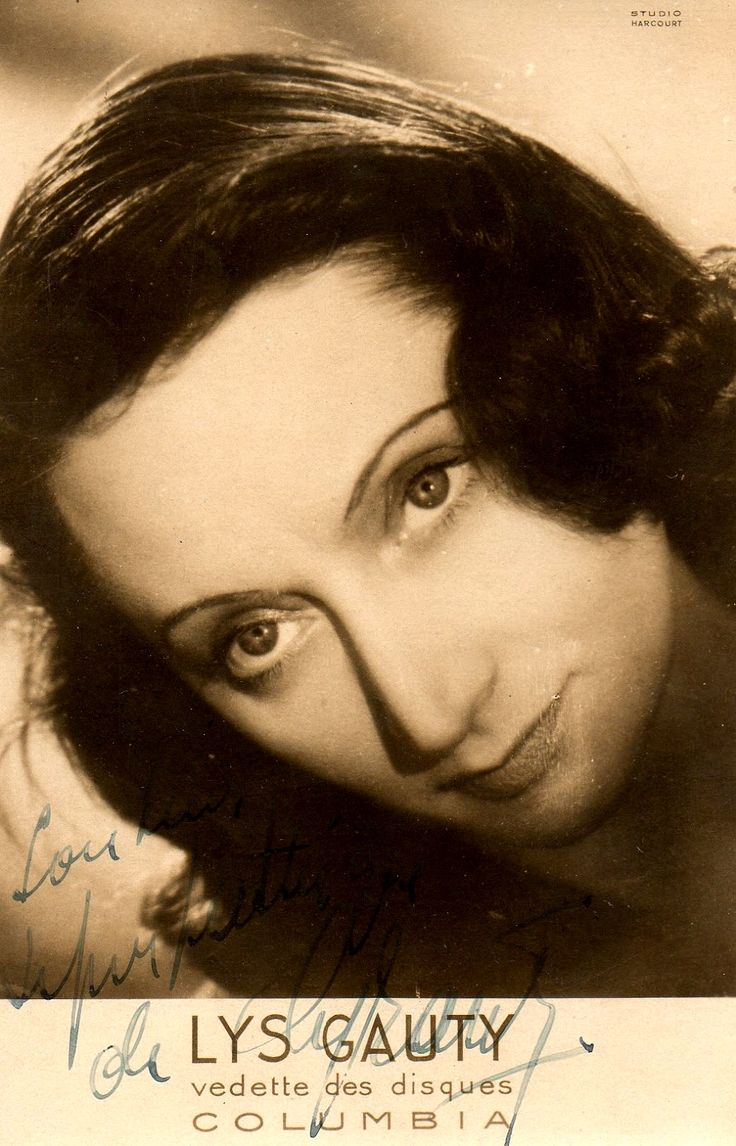 In Paris, Cesare Andrea Bixio also collaborated with cabaret music hall 'Folies Bergère' and composed songs for popular singer Lys Gauty.