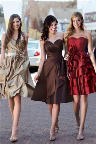 I love these 3 colors together!!!       Gold, Chocolate Brown, & Red Dresses. Would be neat for bridesmaid dresses if going for that color scheme, like in the Fall. Or choose other colors.pinfashionblog