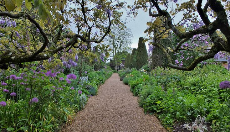 Hidcote Manor Gardens, Gloucestershire, UK  18 Of The World's Most Beautiful Gardens – BoredBug