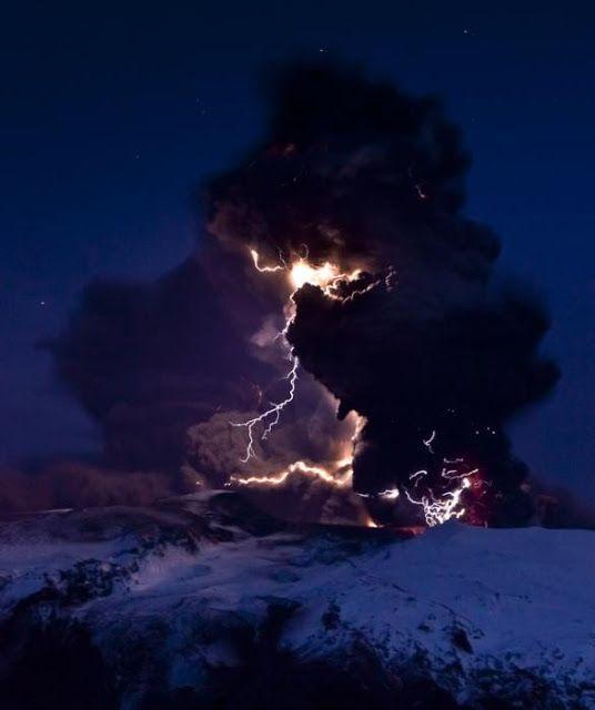 Best Volcano Lightning Ideas On Pinterest Storms Lightning - 17 incredible photos of volcanic lightning