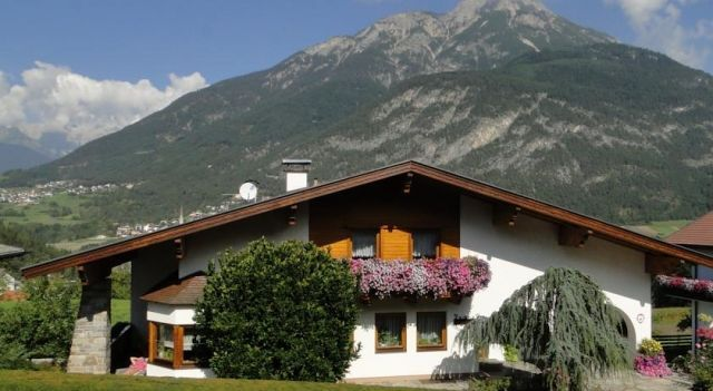 Apart Franzi - #Apartments - $69 - #Hotels #Austria #ArzlimPitztal http://www.justigo.club/hotels/austria/arzl-im-pitztal/apart-franzi-3_38650.html