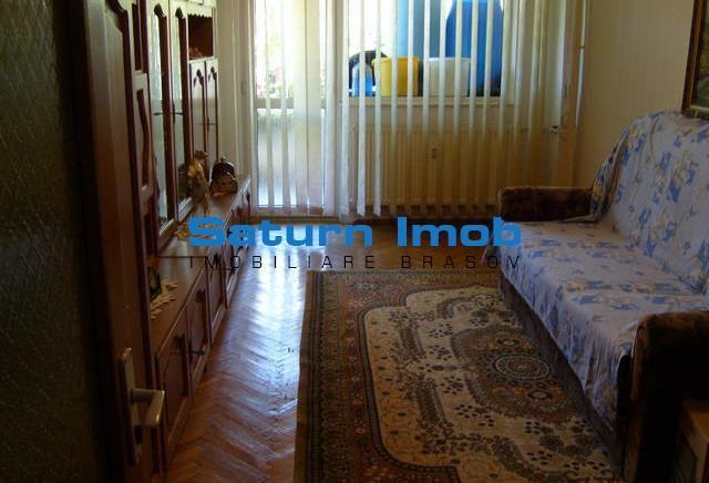 Vanzare apartament 3 camere decomandate etaj 1 zona Centrul Civic