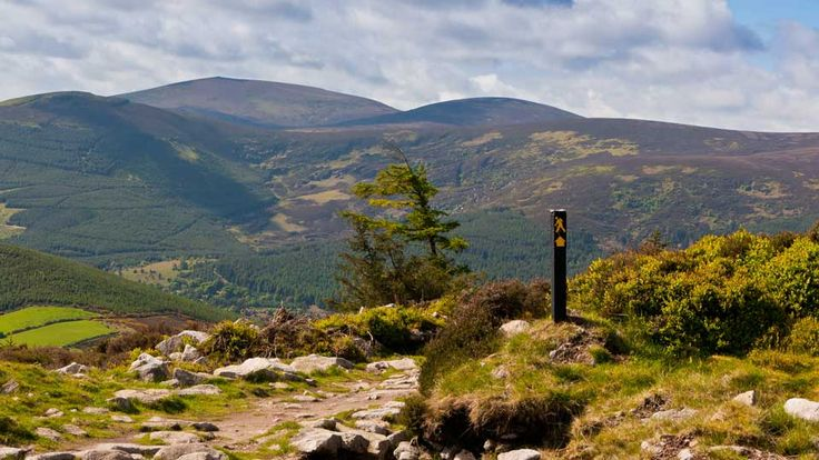 What is the Wicklow Way? Walking in Ireland http://bit.ly/1cAgp8E
