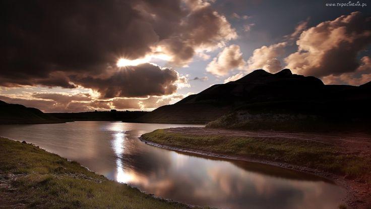 Chmury, Rzeka