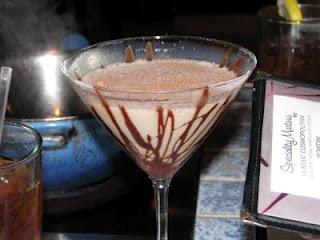 Godiva Chocolate MartiniGodiva Martinis, Alcohol Drinks, Adult Beverages, Yummy Things, Chocolate Martini, Chocolates Martinis, Chocolates Martiniyum, Godiva Chocolates, Bears Wife