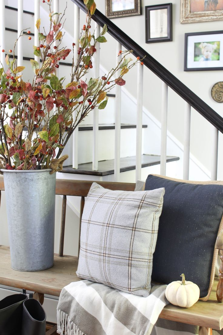 Welcoming Fall Entryway | Rooms FOR Rent Blog