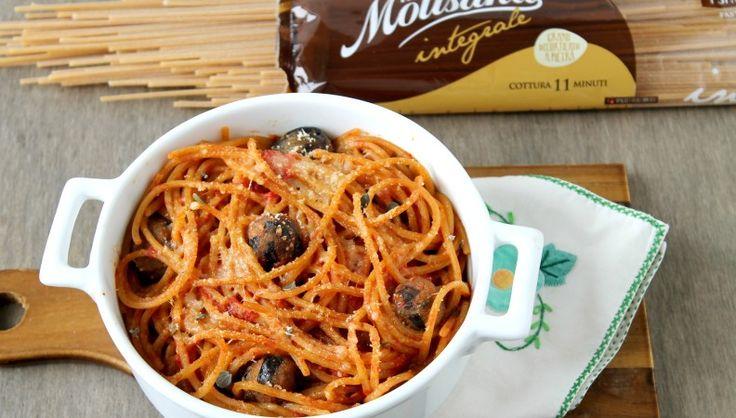 Spaghetto integrale con polpette di melanzana. Uno dei piatti di pasta più…