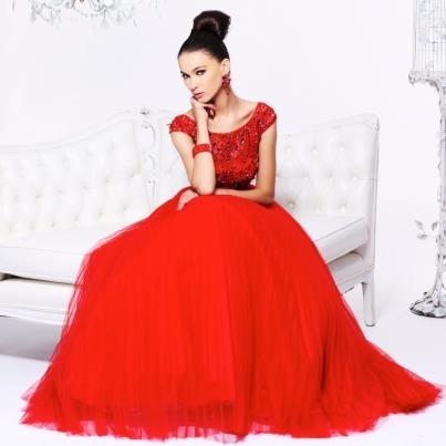"""Sherri Hill in a """"Valentine"""" red # IPAProm"""