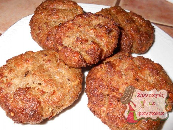 afrata-mpiftekia  Νόστιμα μπιφτέκια που γίνονται πολύ αφράτα, με τριμμένο τυρί και μπαχαρικά!!