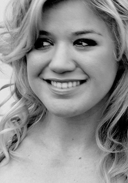 Kelly Clarkson Concert 2005 in Fresno, Ca