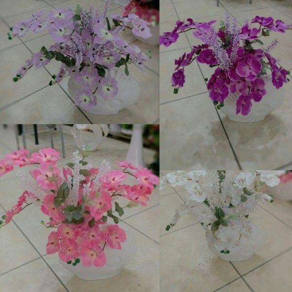 Seramik vazoda orkideler - 4 renk  seçeneği ile