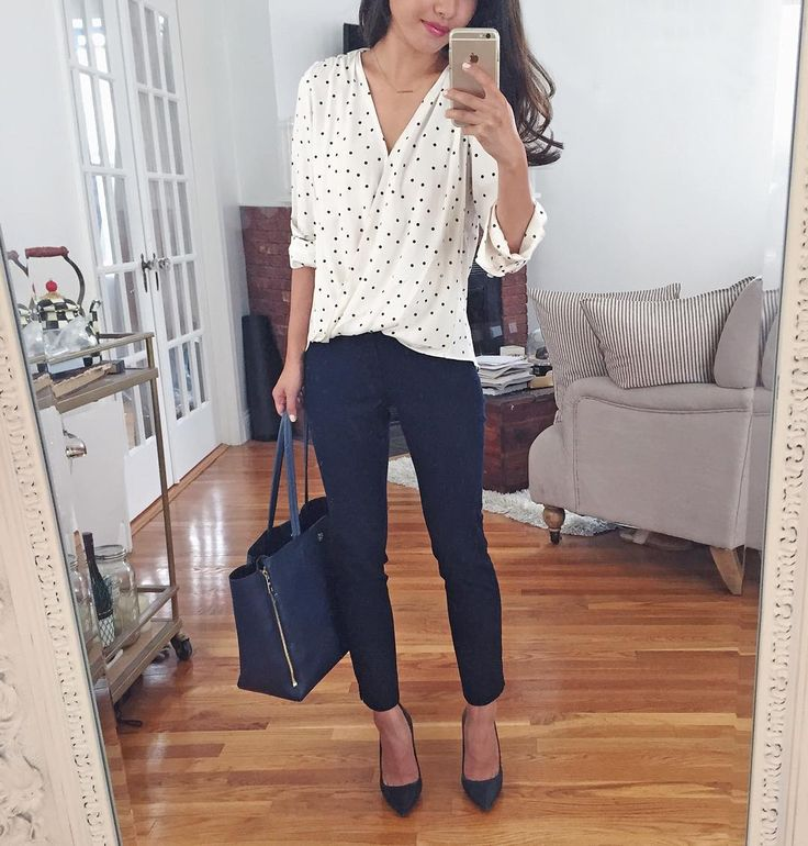 <navy & dots> A basics kinda day - my favorite delicate necklace is 25% off w/ code statementstunners & this top and tote are 40% off today! Outfit details at www.liketk.it/1M0RC (case sensitive)