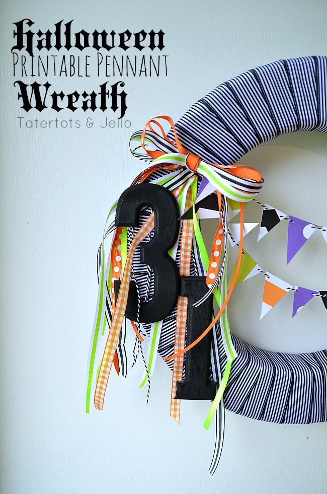 Black and White Halloween Wreath and free Bunting Printables!