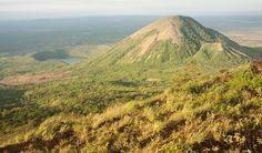 Le Nicaragua, la nouvelle destination tendance (Detour Local) -> Vue au sommet du mont El Hoyo à la fin d'une journée d'excursion sous le chaud soleil du Nicaragua www.detourlocal.com/nicaragua-coup-de-coeur-destination-tendance-backpacker/