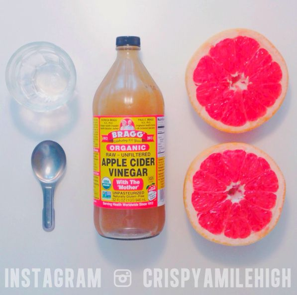 "a grapefruit x apple cider vinegar a day keeps the fat away // One of our fav daily ""pick me ups"" ☺ JUST MIX: fresh squeezed juice from ½ of an organic grapefruit with 1 tablespoon of organic apple cider vinegar and drink it down. We like to do this once in the afternoon and once in the evening, everyday. This is a great way to put a little Spring in your step, wake up your metabolism, and within two weeks you should see a significant difference in your energy and even in your weight!"