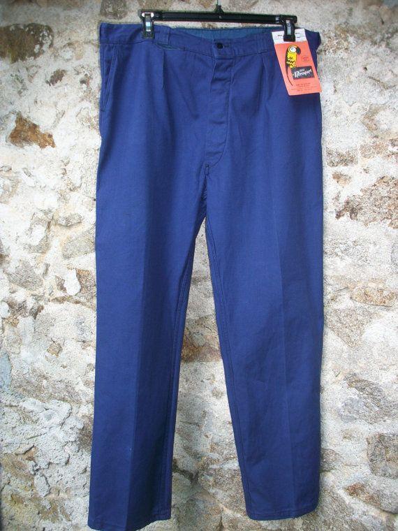 Vintage French Work Trousers Pants 40/32 inches door LaCravate Deze Franse werkbroek heb ik ook, van t zelfde merk met de papegaai.