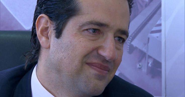 'Chefe secreto' revela disfarce e se emociona com seus funcionários Na semana passada, o disfarce do diretor foi descoberto. Pedro Stivalli conheceu mais a fundo seus empregados.
