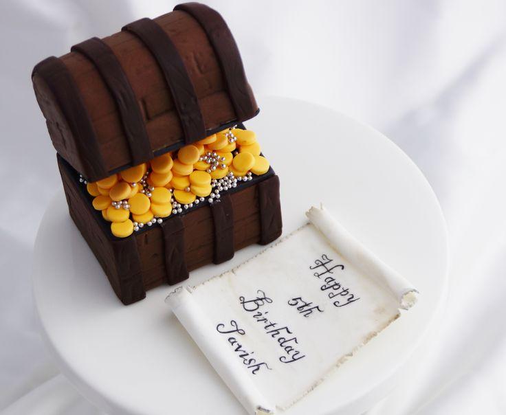Fondant Treasure Chest Cake Topper Kelly S Cake Toppers