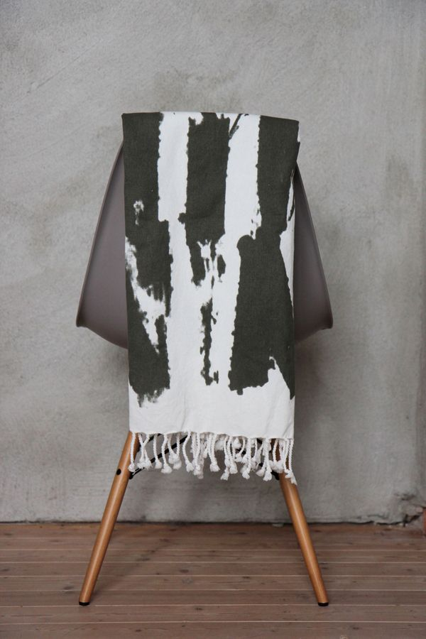 Plaid/towel/tablecloth by Ylva Skarp  Photo: Susanne Kings