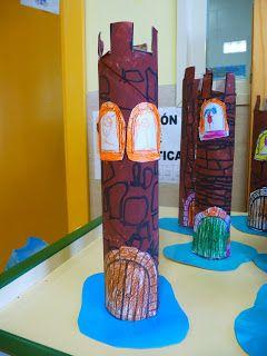 El viernes por fin se llevaron a casa las torres que hemos estado haciendo en el rincón de plástica. Las podéis usar para decorar vuestra ha...
