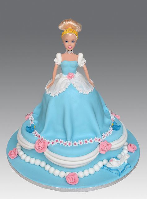 Cinderella Doll Cake by Gellyscakes, via Flickr