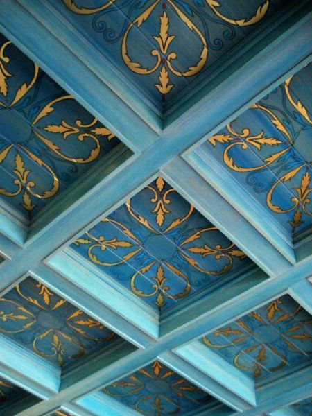 Blue coffered ceiling with decorative painting by Leonard Pardon  #GISSLER #interiordesign