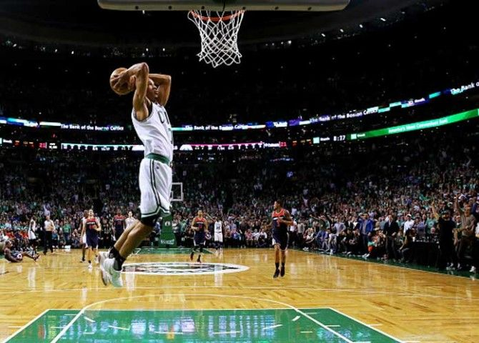 Watch: Avery Bradley Scores 29 Points, Celtics Fans Insult Kelly Oubre In Game 5 Win Over Wizards