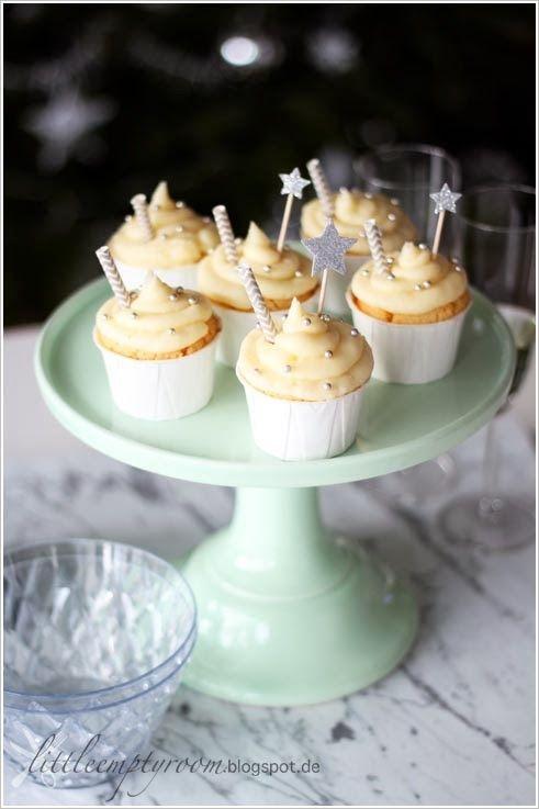 """little.empty.room: FOODFEVER . champagner cupcakes """"silvester kann kommen"""""""