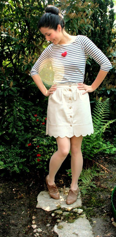 Scallop Button Up Skirt. Free sewing pattern. I love scallops! #sewing #pattern