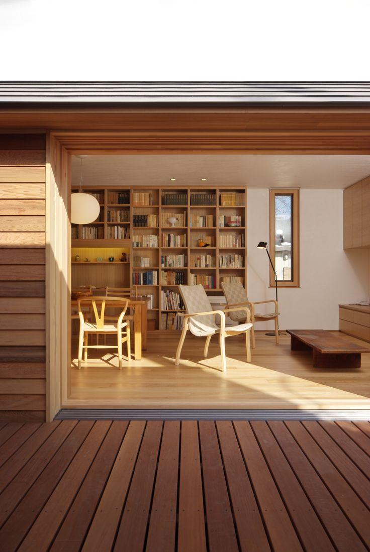 木製サッシ 本棚 フローリング 外壁板、ウッドデッキ Yチェア 家具はもちろん、木に関する事お任せください。