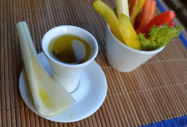 Mimì...piccoli contenitori in porcellana, perfetti per #pinzimoni e #verdure  www.ancap.it