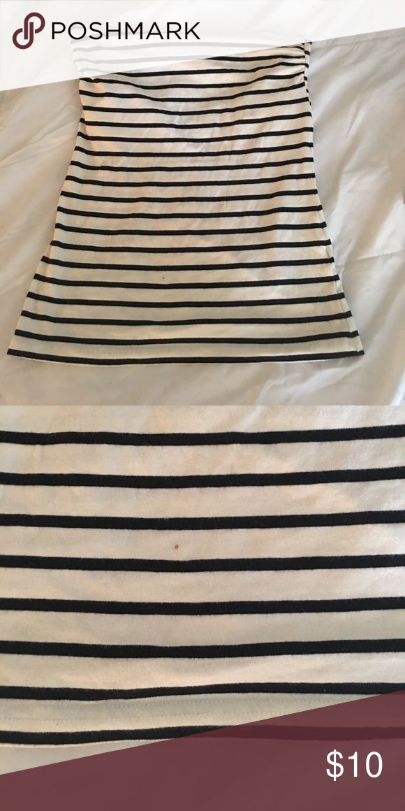 Super cute tube top with built in bra Blue and white tube top. Covers your entire mid drift. Has a time spot close to the bottom can't really see. Took a photo of it H&M Tops Crop Tops