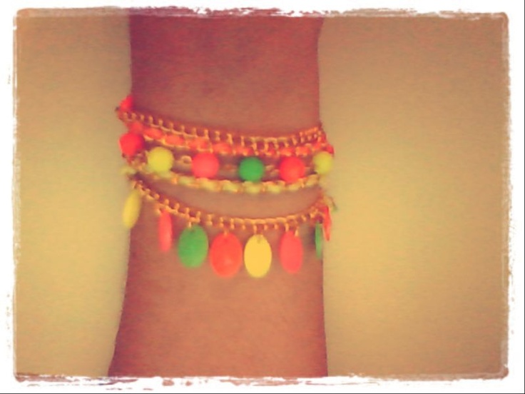Pulsera Motley  #fashion #accessories #jewelry #mode #look #fashionaccessories #luxjewelry #bracelets  #gold #style #fluo