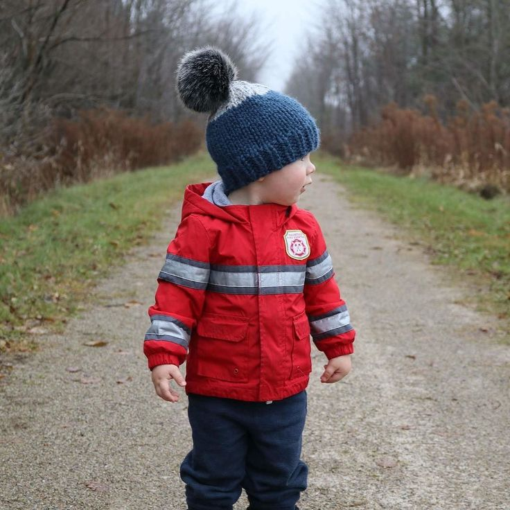 @amynicoledesigns your hats are gorgeous and I love them... everyone head to her feed to see more! Behind the scenes with @jamiecoghlin and our nephew out for a cool winters day walk #behindthescenes #coghlincandids #lifestylephotography #kids #winter #cold #coldweather #coldplay #hike #walk #November #ontario #canada #truenorth #amynicoledesigns #toque #knitting #pompom