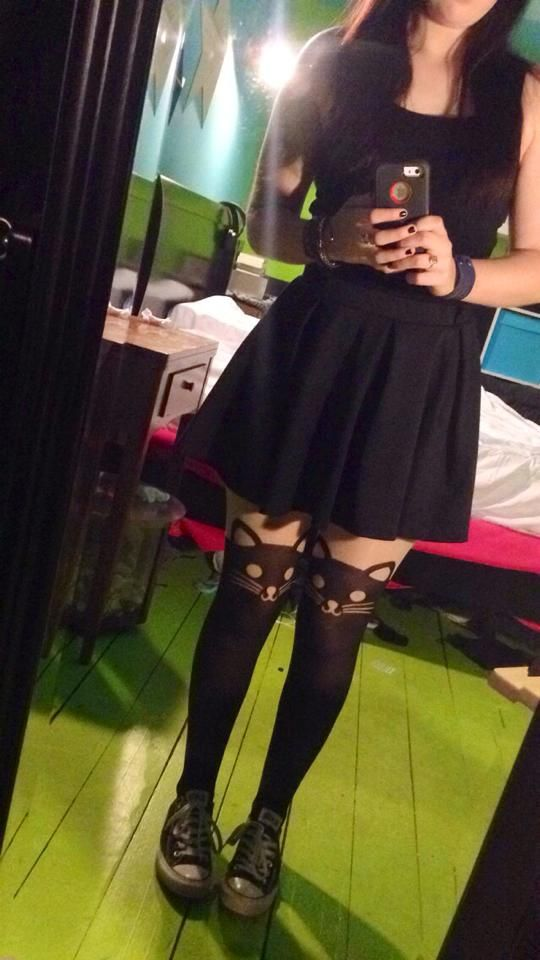 cat tights skater skirt and converse all time favourite