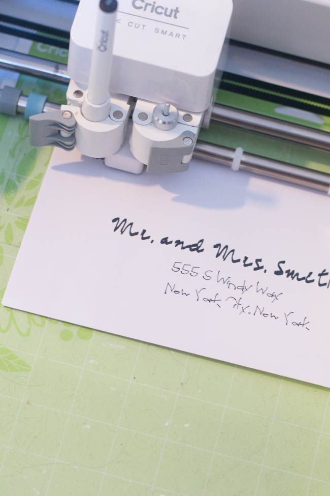How to Write with Cricut Explore Air It's been a goal of mine to dive into the different features offered by the Cricut Explore