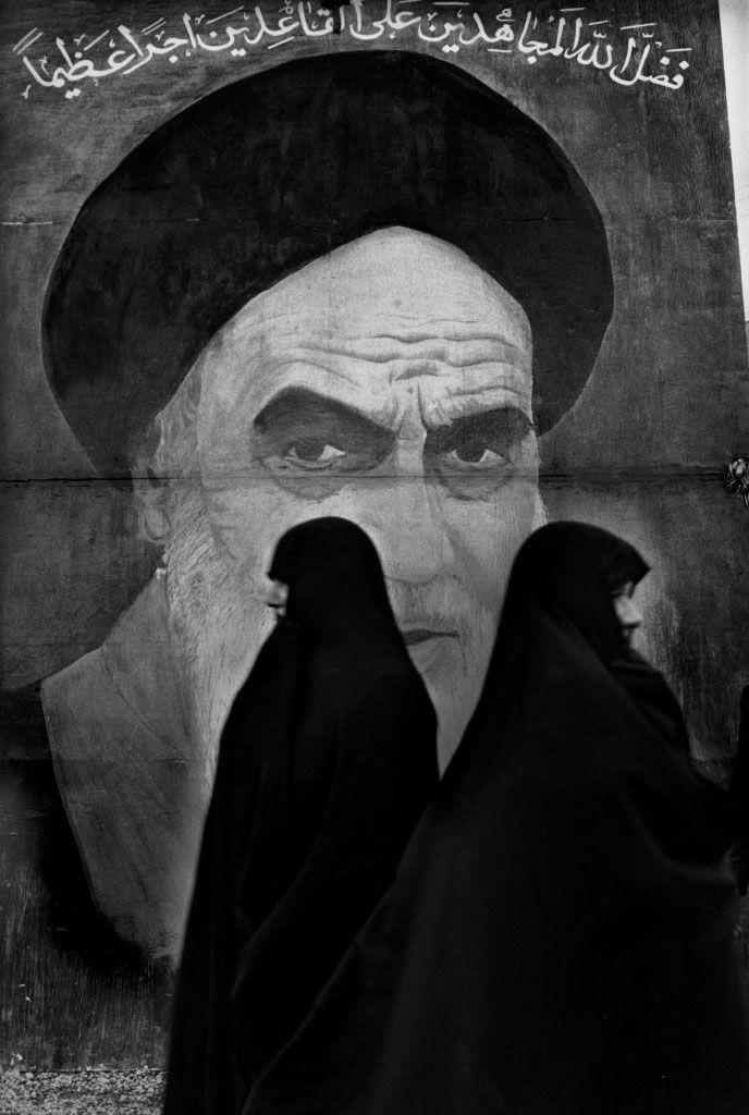 Marc RIBOUD - Iran, 1979 - www.marcriboud.com - #BwLovedByPascalRiben