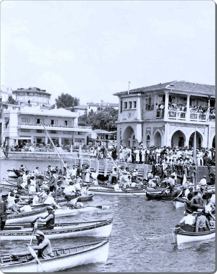 Atatürk'ün Kadıköy Moda'ya gelişini karşılayanlar - 1 Temmuz 1935