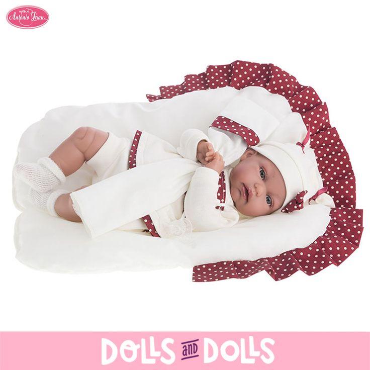 Toneta de 34 centímetros con el cuerpo de relleno ha llegado a #DollsAndDolls para que puedan disfrutar de ella l@s más pequeñ@s de la casa. Le encanta que le abracen y que le den todo su amor. ¿No te parece una ricura? #Dolls #AntonioJuanDolls #DollsMadeInSpain #Bonecas #Poupées #Bambole