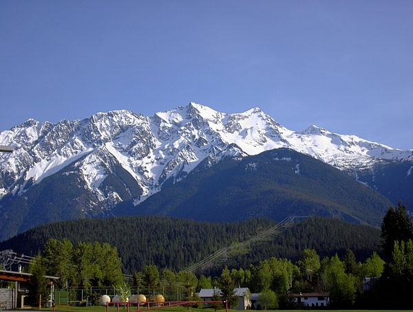 Site seeing is a very popular activity in the Pemberton Valley. Mt Currie is available in view.